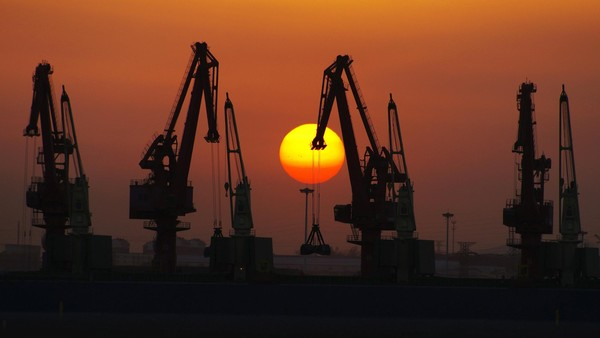 China rises to world's largest trader statusChina rises to world's largest trader status